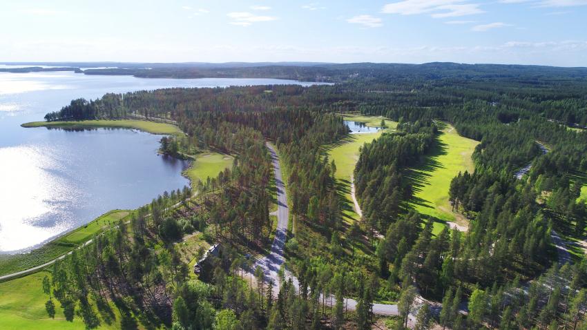Metelinniemen tonti sijaitsevat Oulujärven rannalla